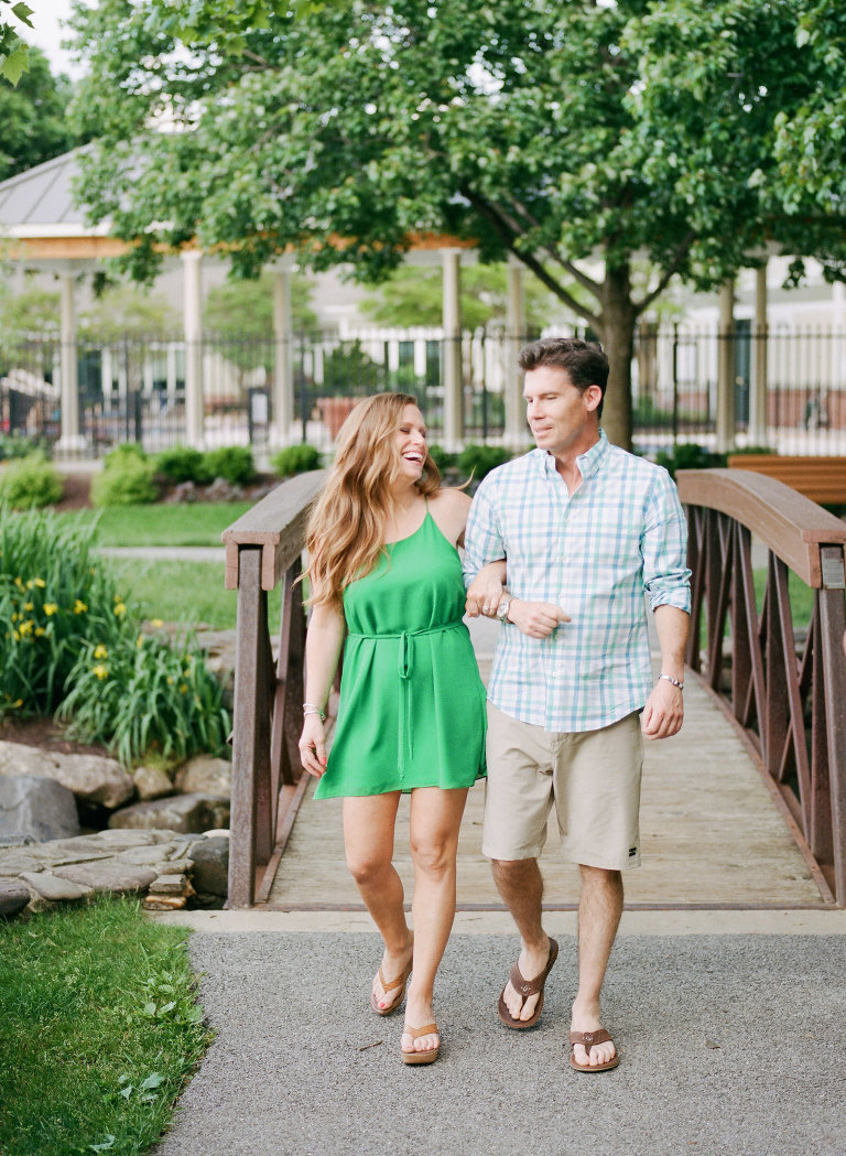 Maryland Family Photographer captures outdoor family portraits